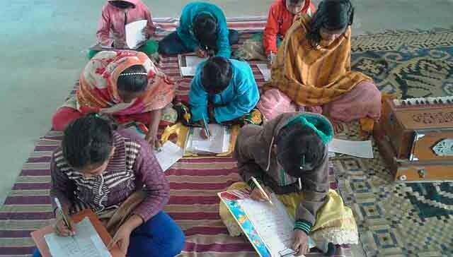 119002848928035388-india-escuela-musica4.jpg