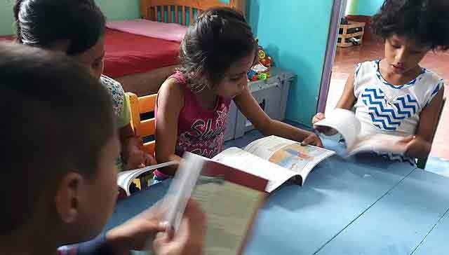 121167636550143193-guatemala-libros-ahicam.jpg