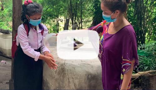 Abastecimiento de agua en 2 escuelas Treang Video