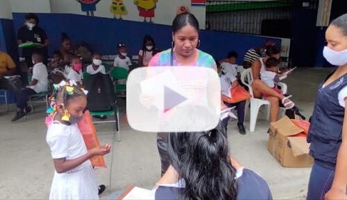 Kits de lectoescritura para 800 escolares Video