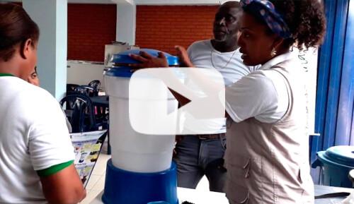 Filtros de agua: 400 familias y 20 escuelas Video