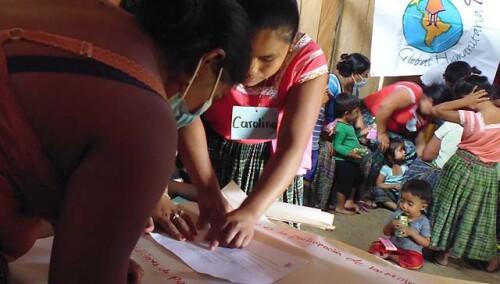 442103337229943720-guatemala-mujeres-participacion-y-siembra.jpg