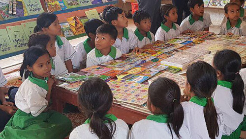 396637953376661341-camboya-biblioteca2.jpg
