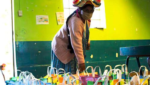 Canastas de alimentos para 1.000 familias