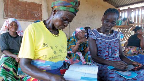 Curso de alfabetización para mujeres