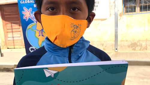 Material escolar para 8.600 niñas-os de Puno