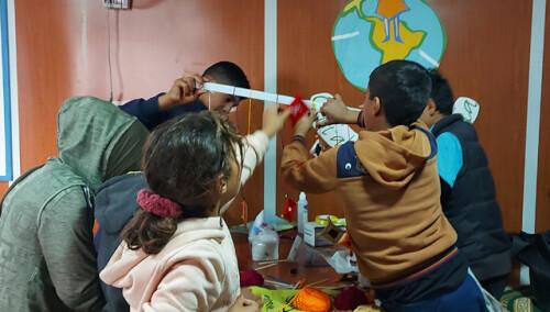 Espacios de educación y recreativos: 90 niños
